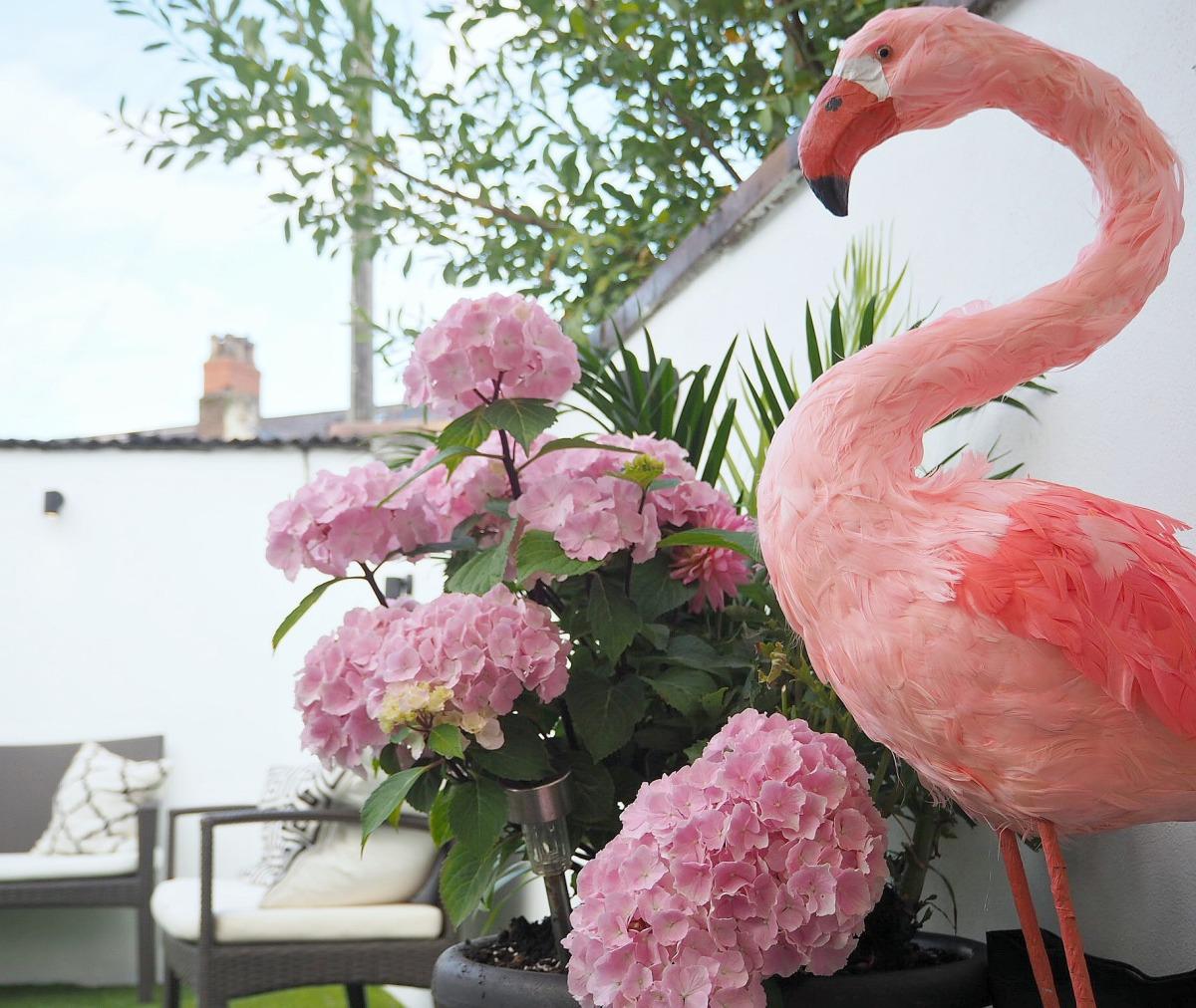 Luna's 'Flamingo Fantasy' First BirthdayParty